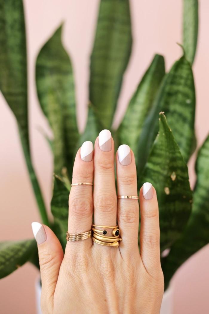 modele ongle en gel à design français moderne avec vernis nude et blanc, quelles accessoires porter avec manucure bicolore blanc et nude