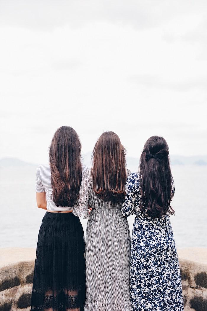 La plus belle robe boheme longue robe longue hippie chic plage tenue trois amies trois modèles de robe bohème