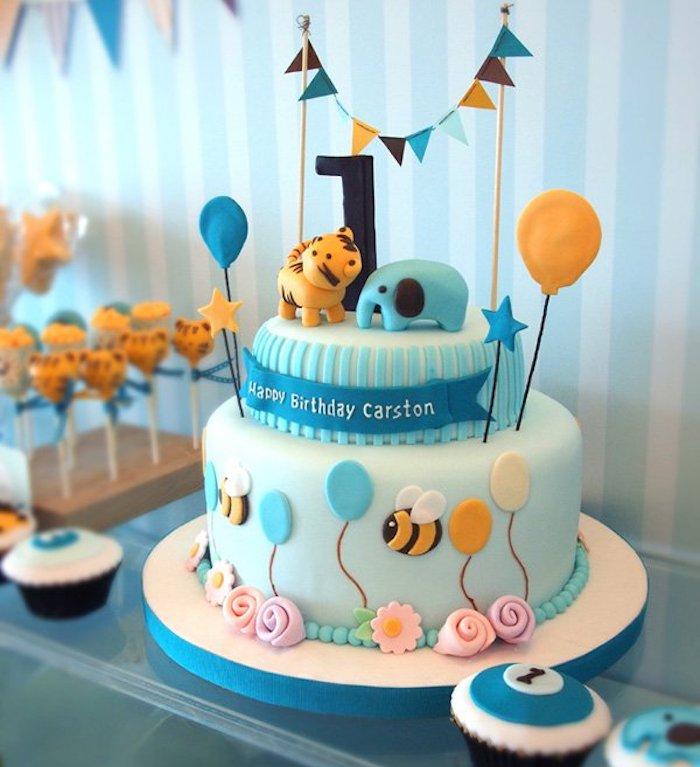 Gateau facile et original quel gateau pour enfant cool idée gateau pour un enfant deux étages anniversaire 1 an gâteau festive avec animaux mignons