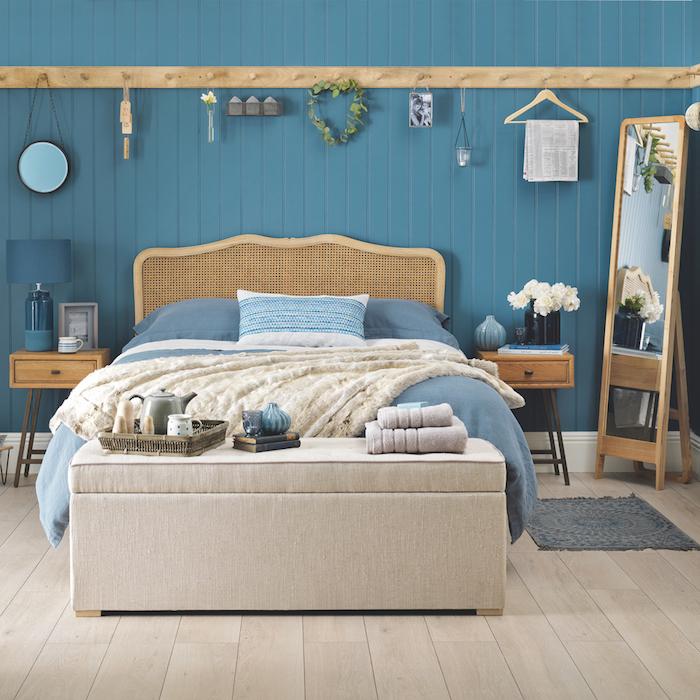 Décoration peinture salon couleur idéale pour chambre adulte aménagement simple bleu marine interieur mer