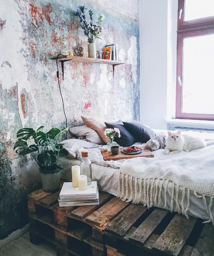 Couleur de peinture pour chambre couleur idéale pour chambre adulte design nordique vintage mur industriel style lit en palettes
