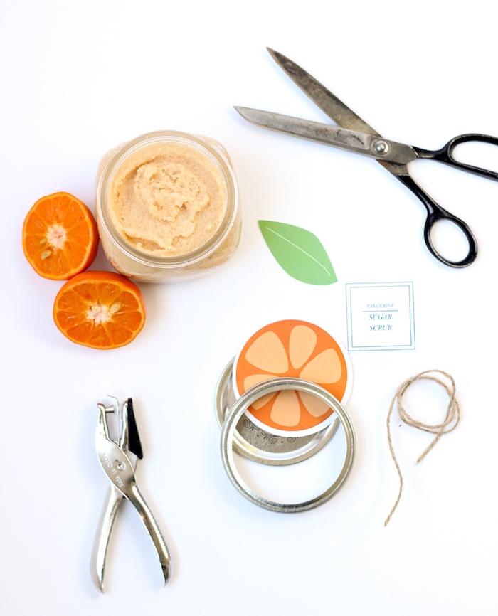 produit beauté naturel, gommage maison a faire soi meme, mandarine et huile de coco, produit beauté diy