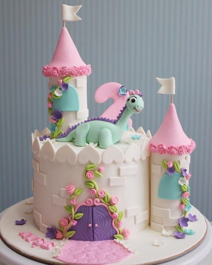 Gâteau pour enfant gateau anniversaire 2 ans gateau rapide organique gateau adorable chateau rose et blanc fondant