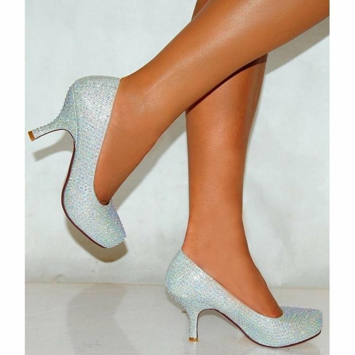 chaussure femme mariage, chaussure argenté mariage, talons moyens pointus, chaussure de mariée confortable, escarpin blanc mariage