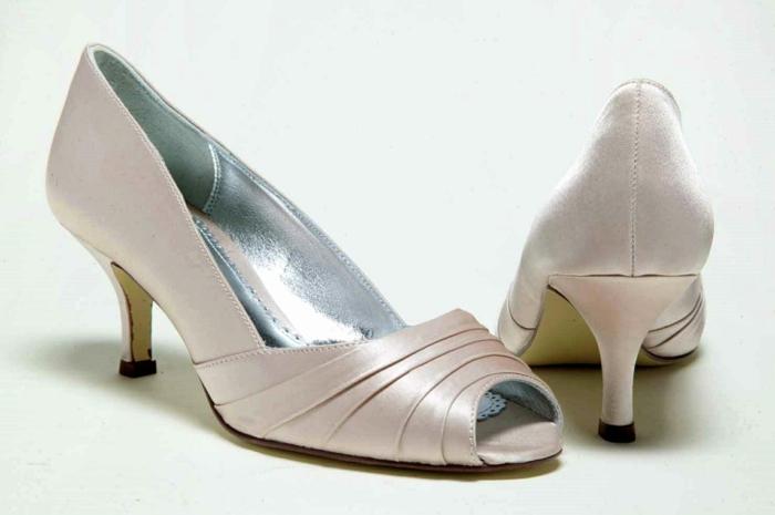 chaussure ceremonie femme en nuances dorées, chaussure femme mariage, chaussure mariee, talon bas, chaussure mariage ivoire