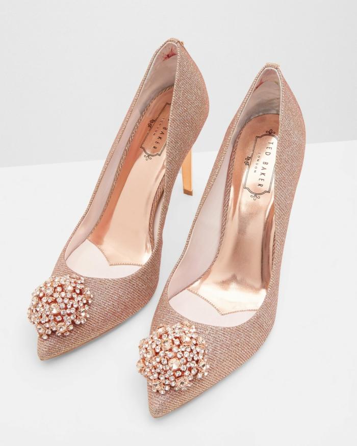 chaussure mariage femme, bouts pointus, talons aiguilles en couleur dorée, chaussure dorée mariage, intérieur en couleur dorée brillante