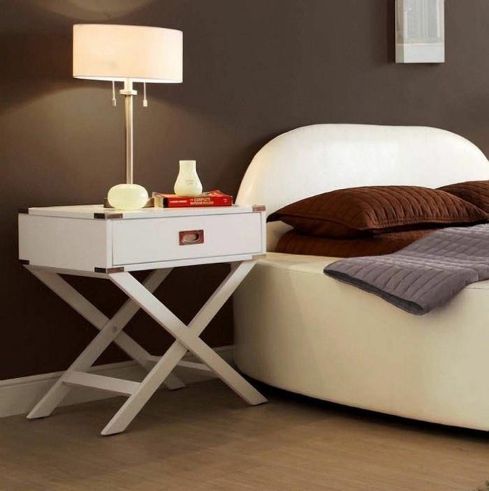 bricolez une table de chevet originale pour votre chambre plusieurs id es pratiques obsigen. Black Bedroom Furniture Sets. Home Design Ideas