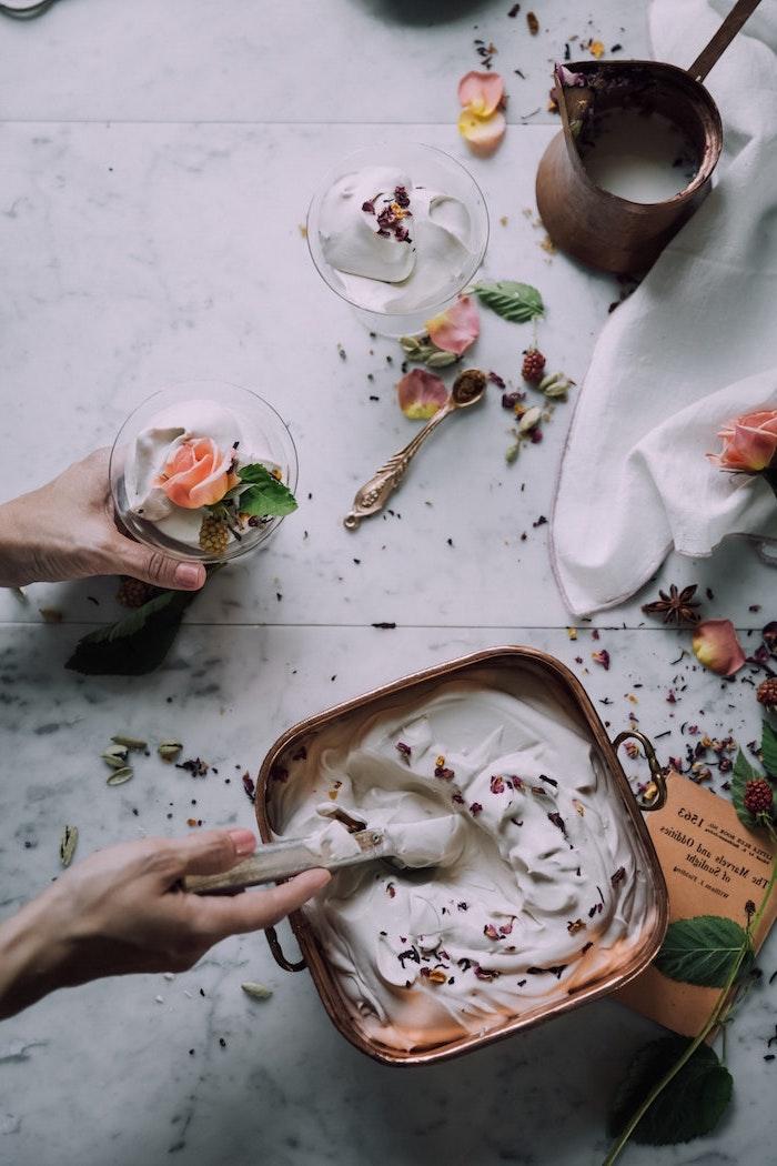 Recette glace maison recette glace vanille vie saine avec glace de yaourt recettes saines détox glace fleurs comestibles