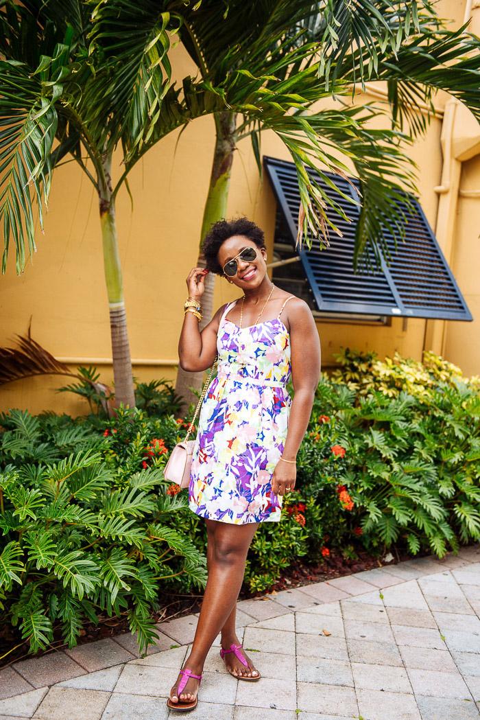 Idee de robe fluide femme robe légère été style d aujourd hui moderne robe courte fleurie adorable look femme