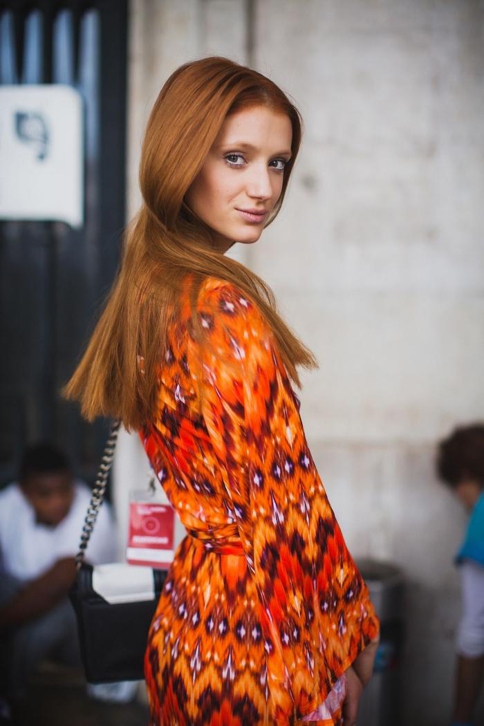 quelle couleur de cheveux choisir pour cheveux de base châtain clair ou foncé, modèle de robe été orange aux manches longues