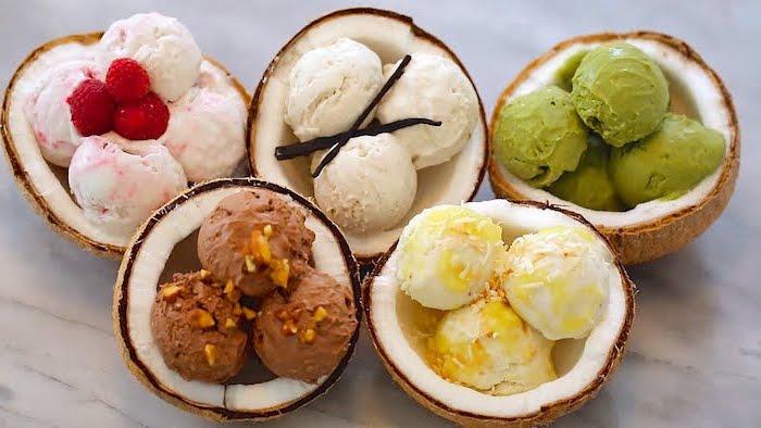 Glace a la vanille sorbet sans sorbetière comment faire un sorbet manger sain glace au chocolat au fraises différentes gouts glace dans un bol de coconut