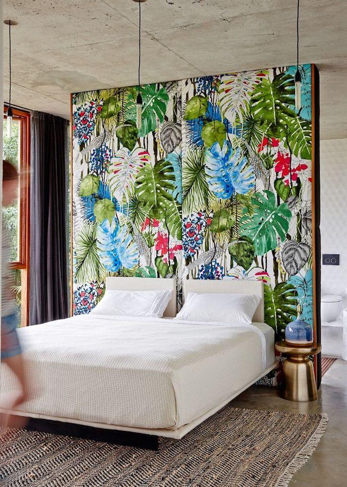 Couleur idéale pour chambre adulte tendance couleur 2018 la règle des trois couleurs originale idée tete de lit mur décoré de palmes