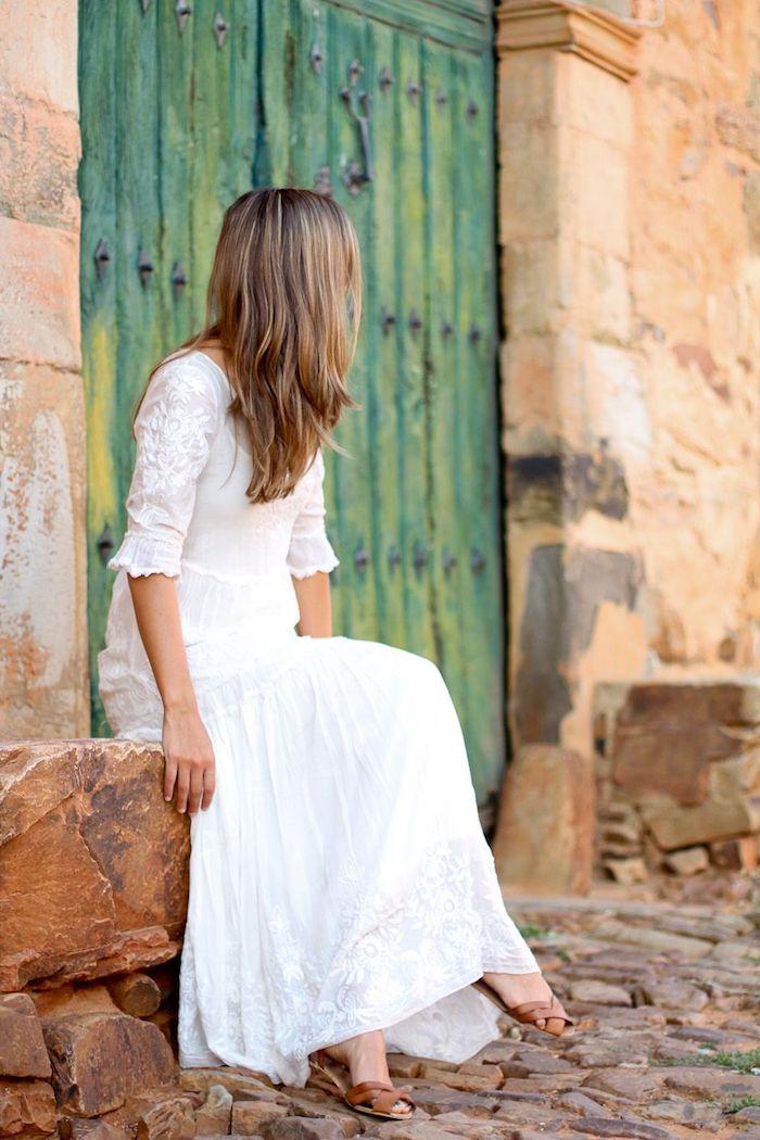 Robe fluide longue robe longue hippie chic blanche comment s habiller en été idée tenue robe longue manches mi longues
