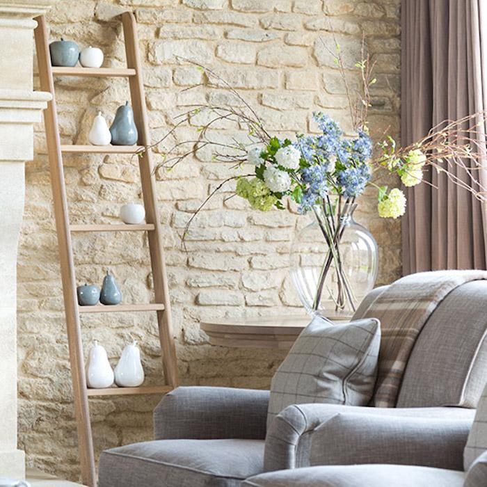 Décoration salon blanche et grise déco chambre gris et rose mauve couleur pale rideaux rose pale