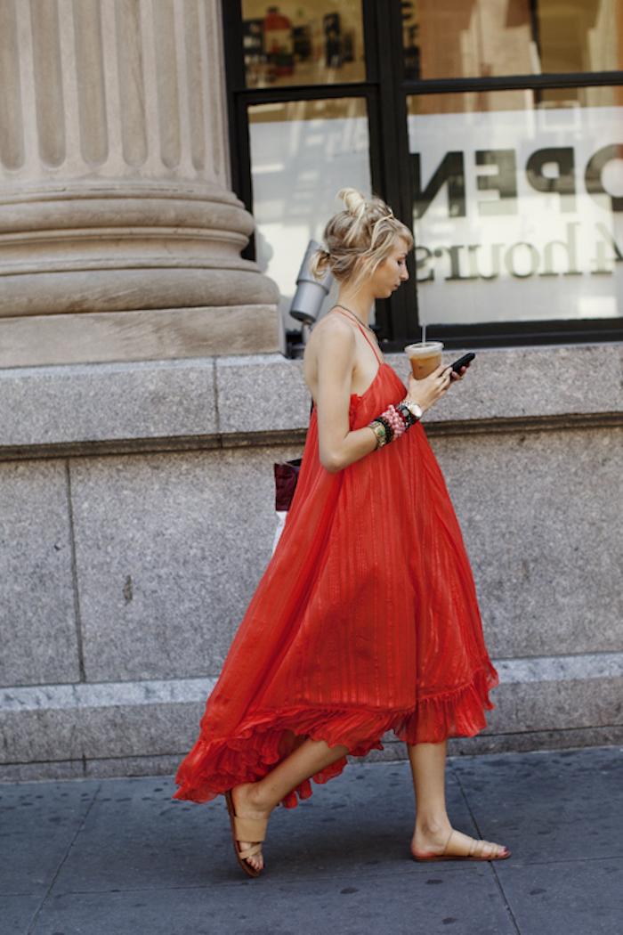 Robe legere robe fluide femme robe d'été photo femme stylée tenue rouge robe mi longue