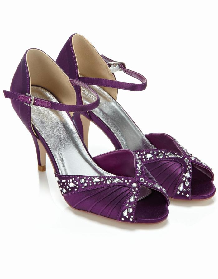 chaussure mariage femme, escarpin mariage, chaussure ceremonie femme, couleur prune, petites ouvertures devant, effets drapés sur la partie devant