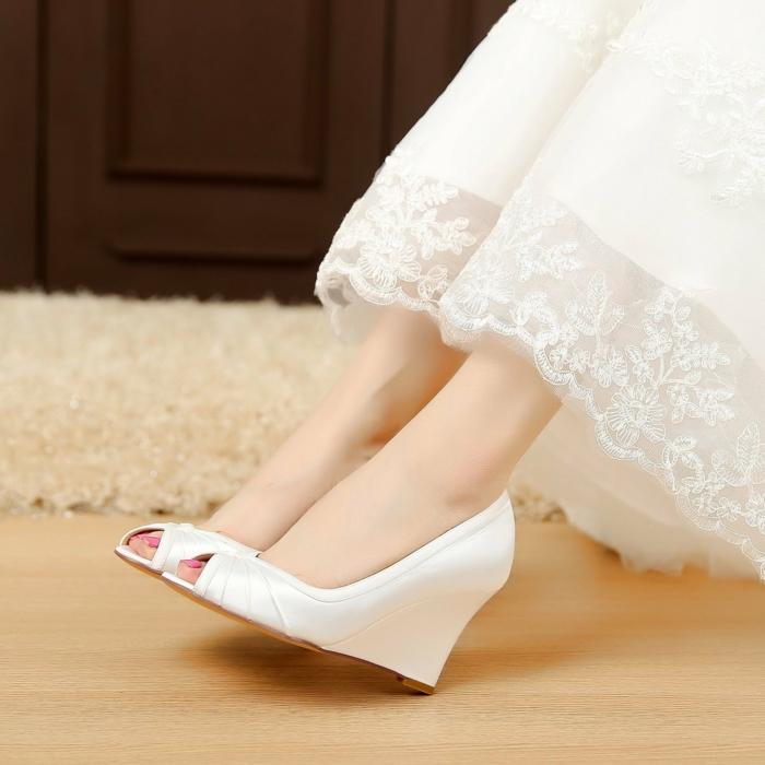chaussure mariage femme, chaussure de mariée confortable, escarpin mariage, escarpin blanc mariage a plate-forme, ouvert devant