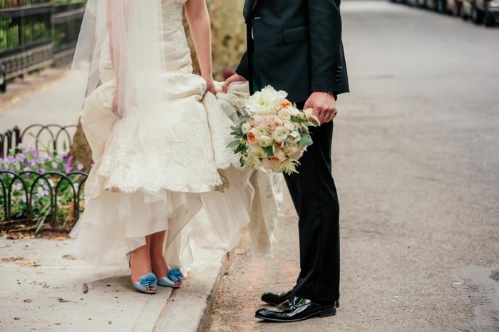 chaussure mariee, chaussure mariage femme, chaussure ceremonie femme, modèle en bleu pastel avec gros nœud devant, ouverture devant