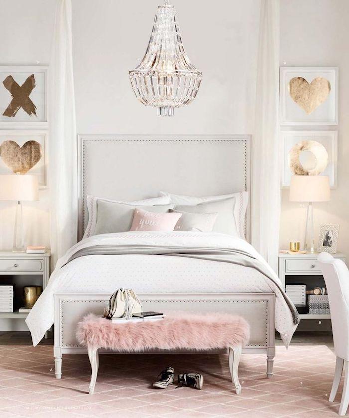 Quelle couleur associer au rose poudre chambre gris et rose cool idée déco blanche rose et doré tableaux