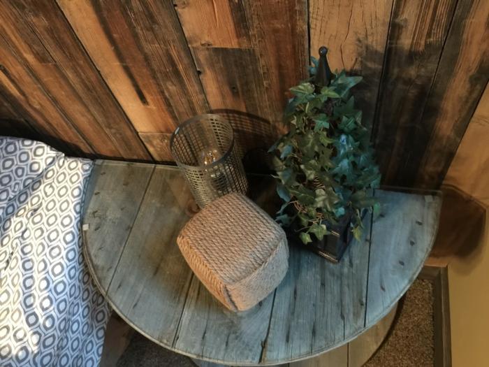 1001 id es d co avec une table de chevet originale - Fabriquer une table en bois rustique ...