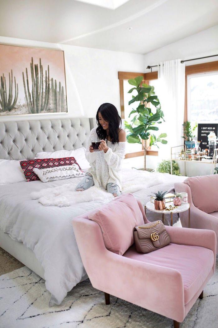 Chambre fille deco rose poudré peinture deco rose pale originale grands fauteuils scandinave déco