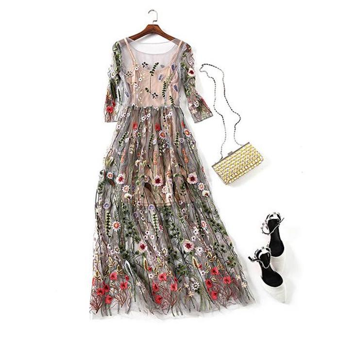Vetement hippie chic robe été longue comment s habiller demain robe femme tenue chaussures a talon et clutch doré robe hippie habillée