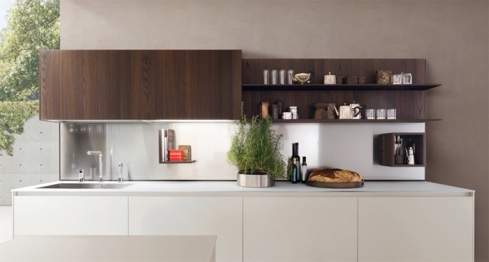 idée meuble rangement cuisine de bois foncé avec armoire et étagères, modèle d'éclairage cuisine sous meubles
