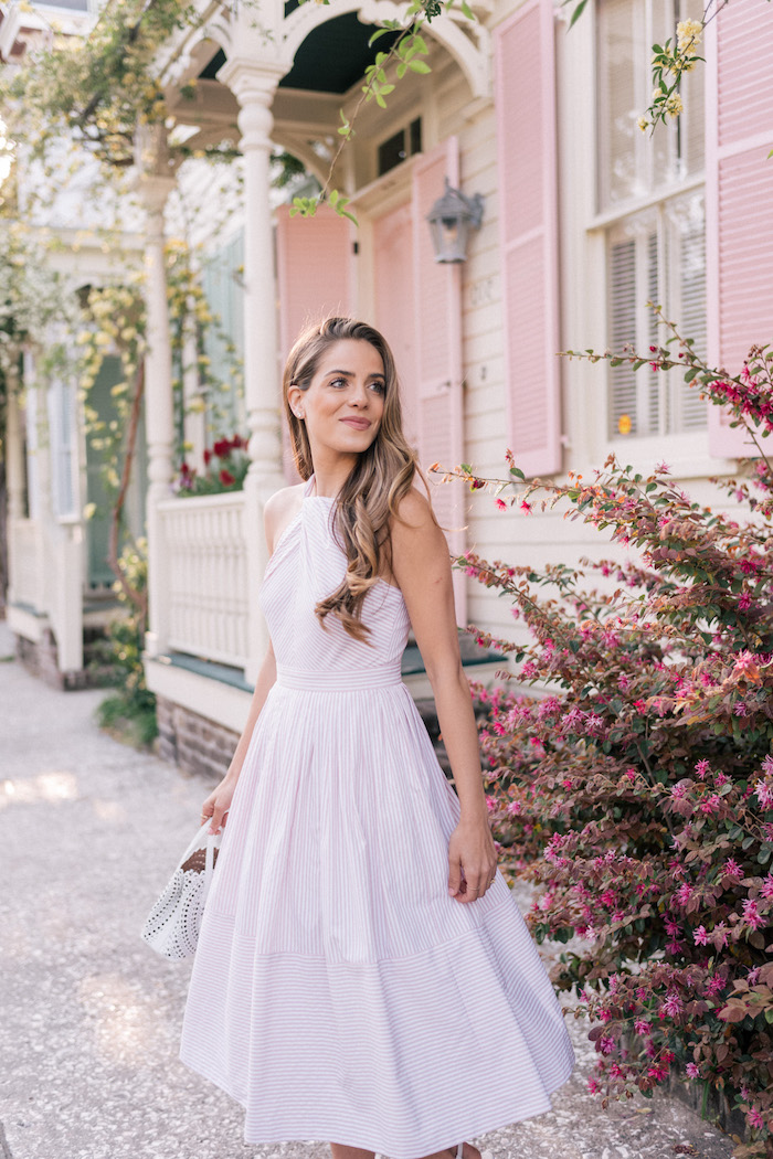 Ville tenue robe droite fluide adopter la robe été longue belle femme bien habillée blogueuse de mode adorable robe vintage style chic