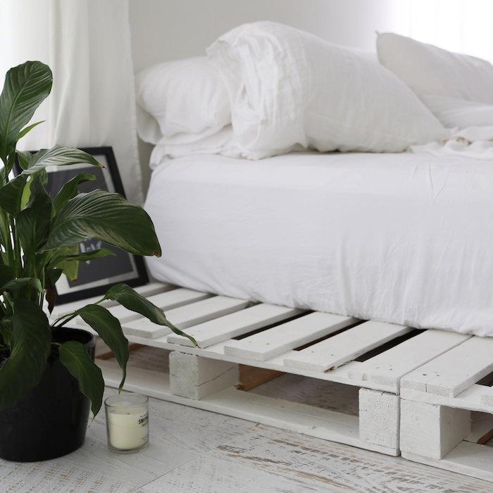 palette bois deco comme sommier palettes blanches pour déco type scandinave minimaliste
