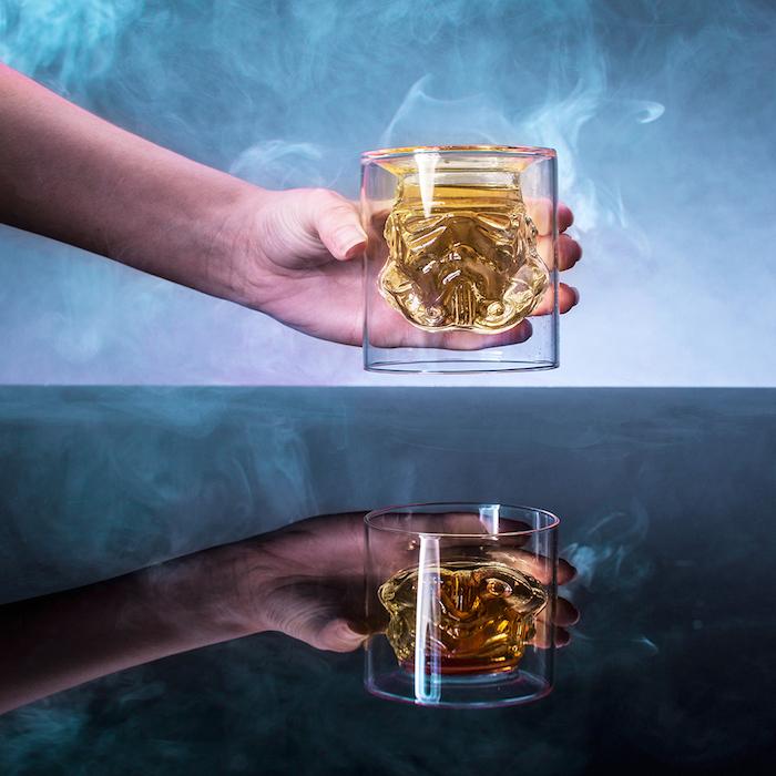 Une idée cadeau homme 40 ans verre stormtrooper verre à whiskey idée cadeau homme 20 ans qui aime star wars et whiskey idée de cadeau d anniversaire
