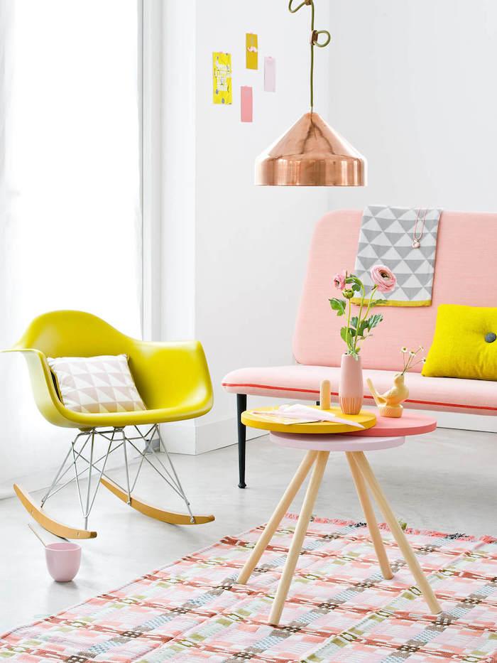 Deco chambre petite fille chambre rose et blanc chambre à coucher adulte jaune chaise coussin jaune canapé rose