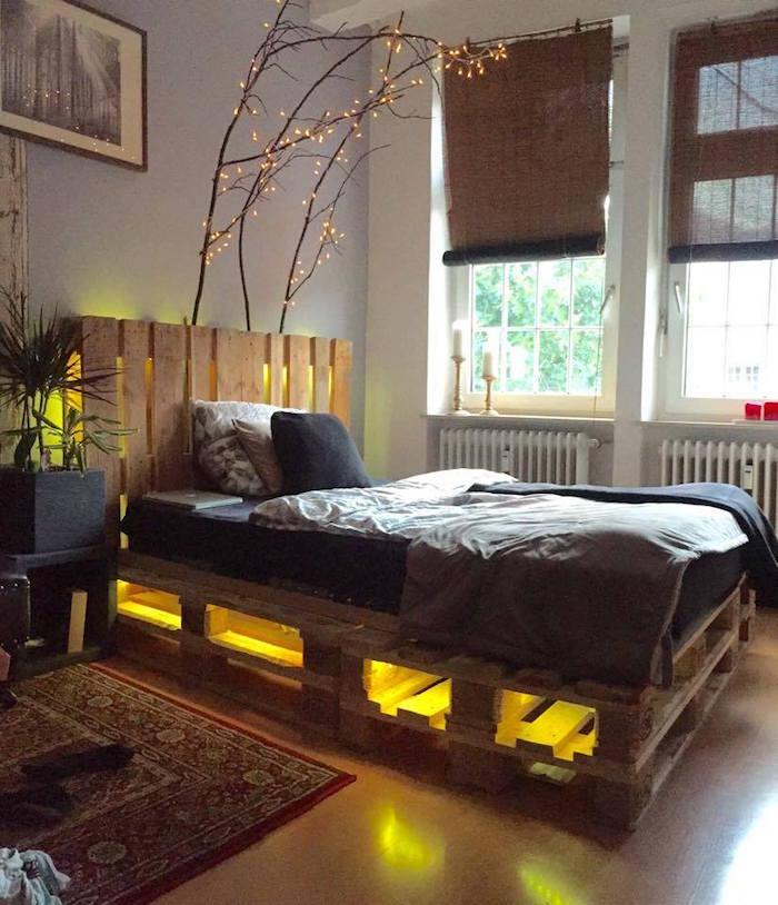 lit palette led avec guirlande lumineuse avec double couche de palettes