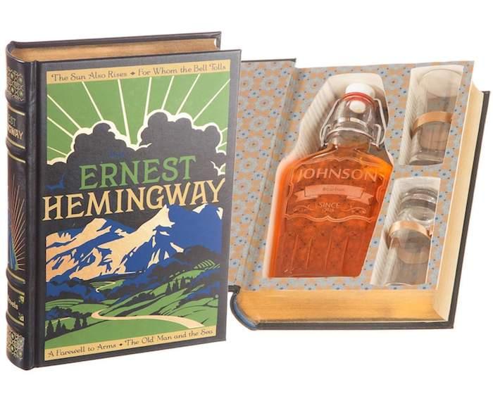 Idée cadeau copain cadeau personnalisé homme quel cadeau choisir livre avec endroit pour alcool caché