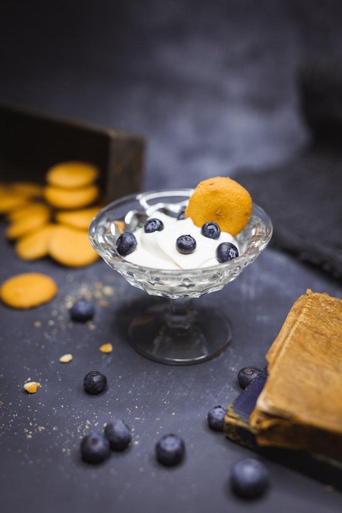 Recette glace sorbetiere comment le preparer maison glace sans sorbetiere biscuits et yaourts myrthilles