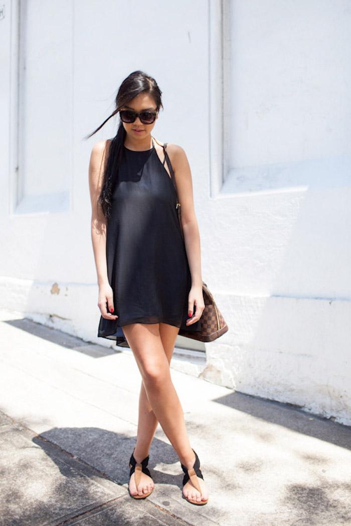Tendance robe de plage longue robe legere s'habiller bien pour l été cool idée à adapter noir courte robe sandales