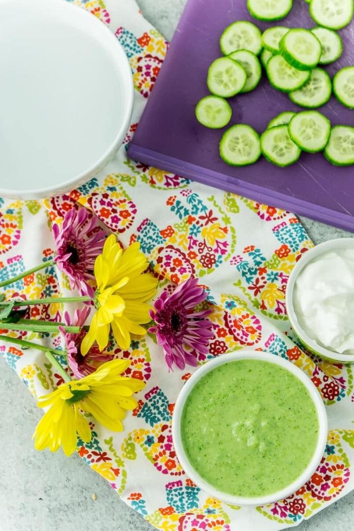 soin du visage naturel pour peau sèche, recette de masque concombre, yaourt qui hydrate et purifie la peau