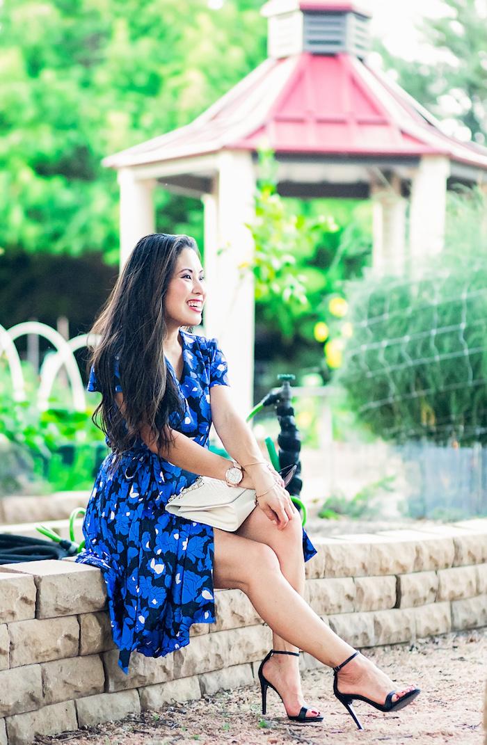 Boheme robe longue ete femme robe de plage femme style à adopter pour l été noir et bleu robe fleurie élégante sandales à talon