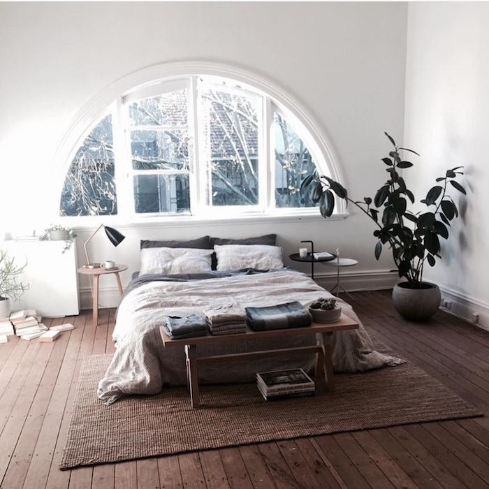 Couleur idéale pour chambre adulte chambre bleu canard chic décoration intérieur tapis brune chambre blanche plante vert