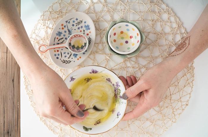 un masque hydratant maison adapté à la peau sèche et grasse, enrichi avec probiotique