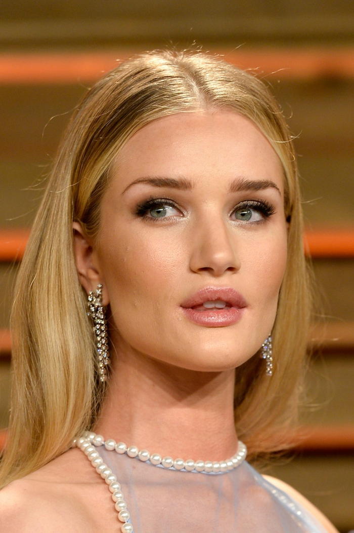 ombré hair blond cendré de Rosie Huntington, tie and dye sur cheveux blonds