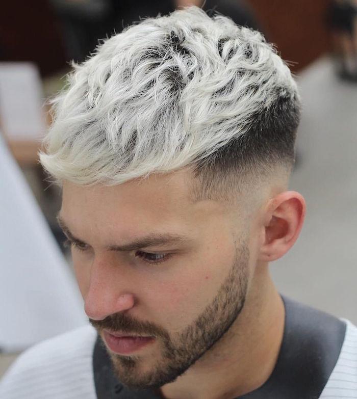 coupe de cheveux homme meche grise