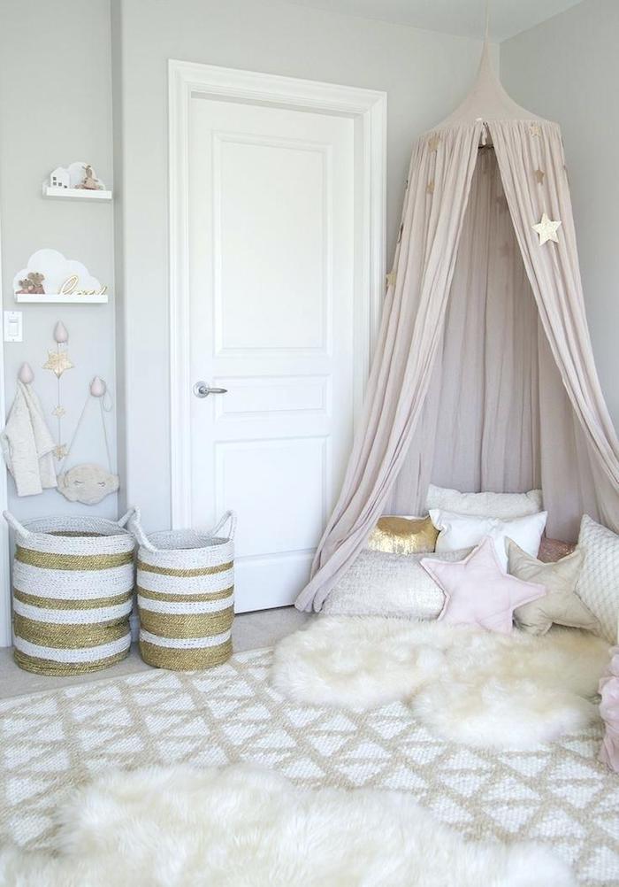 Peinture rose poudré deco rose poudré associer avec rose dorée chambre bébé tipi rose blanc et doré