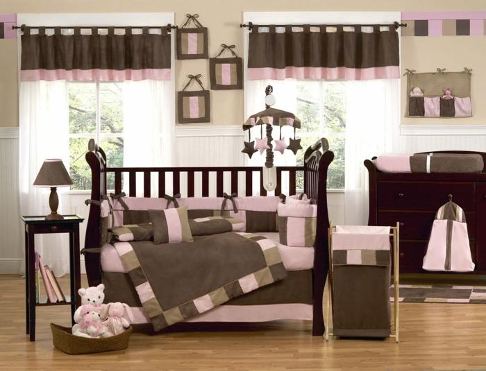 ambiance rose poudree, rideaux en marron et rose, qualle couleur associer au gris, deco rose poudré, chambre rose poudré