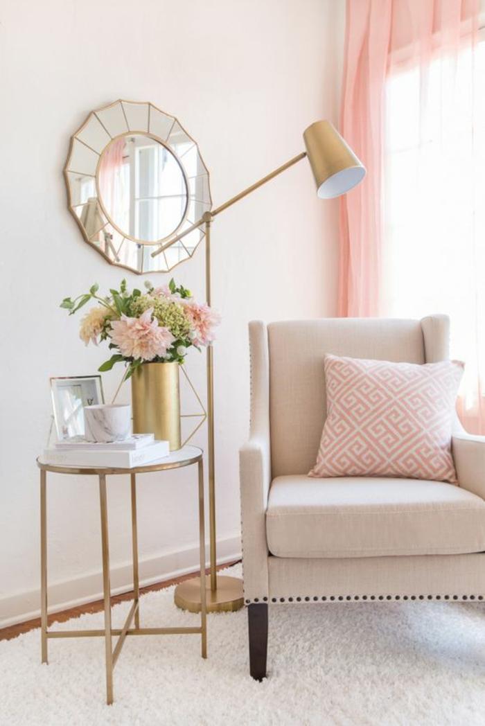 ambiance rose poudree, chambre rose et gris, chambre blanche et grise, miroir rond aux effets de prismes, irrégularités pour des gros effets, chambre rose poudré