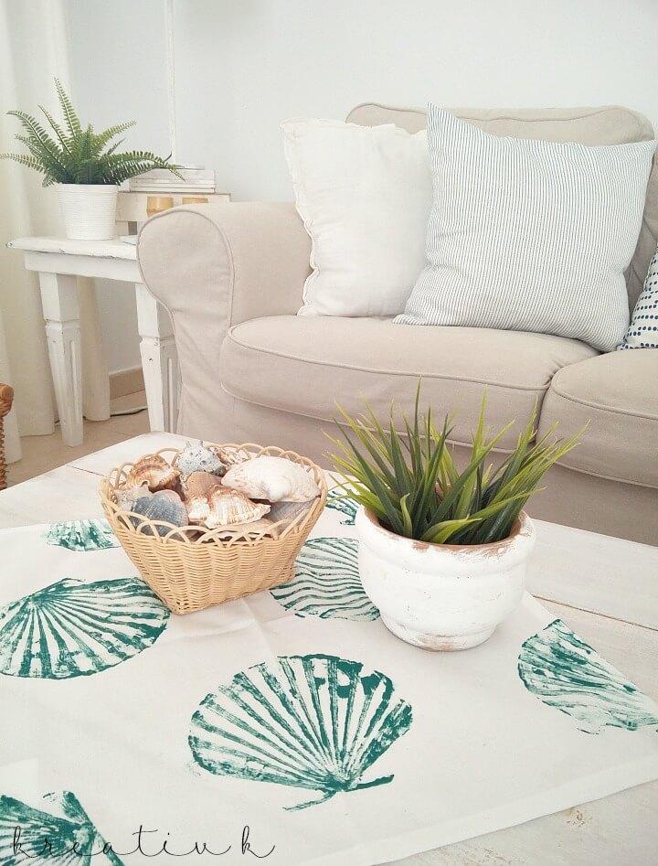 Déco séjour avec housses de cousettes diy peinture mer déco salon cocooning idée de décoration pour le salon