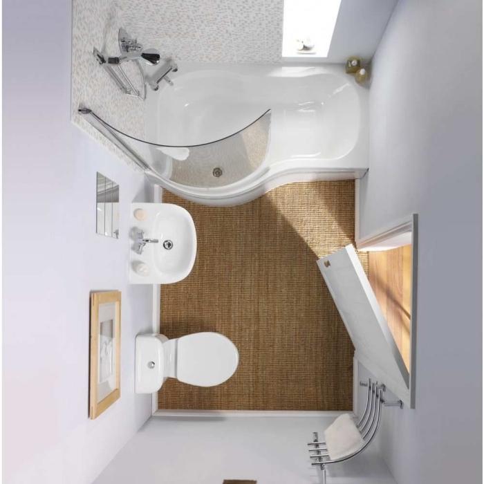 exemple comment aménager une salle de bain aux murs blancs avec baignoire et douche au carrelage mosaique