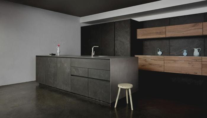 cuisine style loft moderne en bois, blanc et noir, petit tabouret en bois, unités de rangement suspendues
