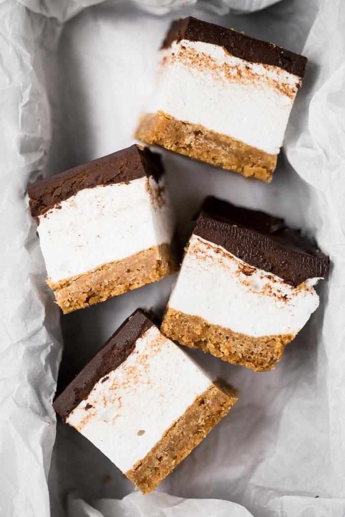 dessert simple et rapide à base de guimauve, des barres chocolatées à la guimauve vanille