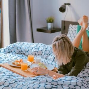 Les meilleures idées déco petite chambre adulte - trouvez les trucs et les astuces des designers