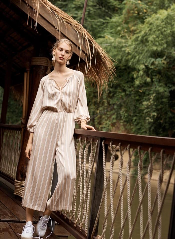 esprit boho chic tendance mode femme avec combinaison chic à longueur cheville de couleur beige et blanc